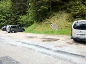 """parking le long de la route de """"Les Bois du Fourg"""""""